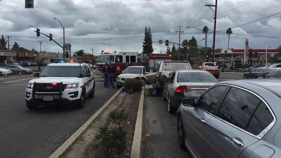 Crash, heavy police presence at Fresno & Bullard | KMPH