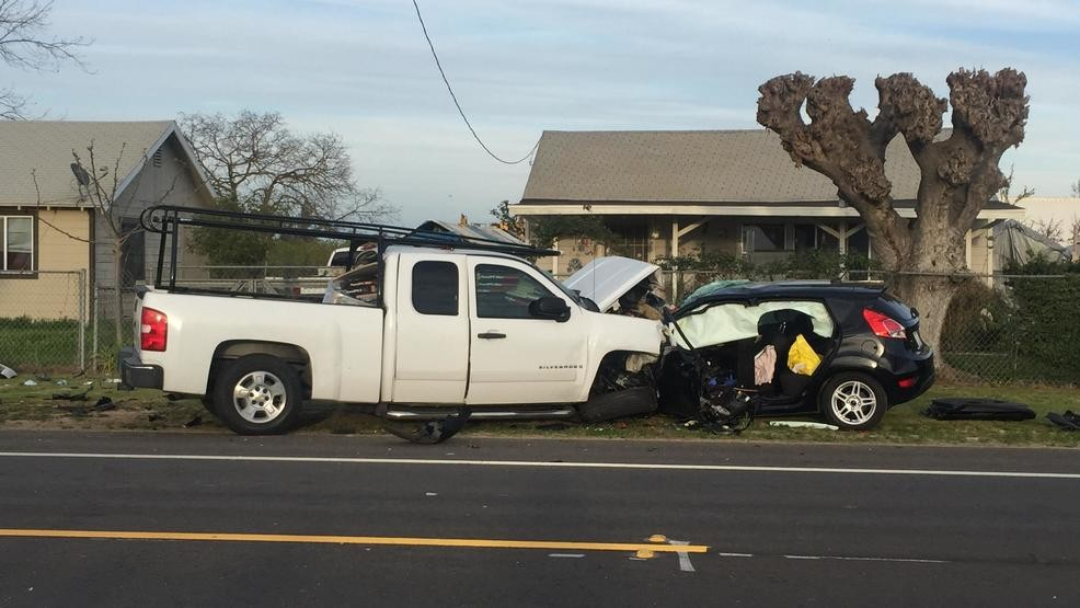 Woman who was 4 months pregnant, dies in Selma crash | KMPH