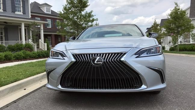 2019 Lexus ES: Keep the car, ditch the touchpad [Retake] | KMPH