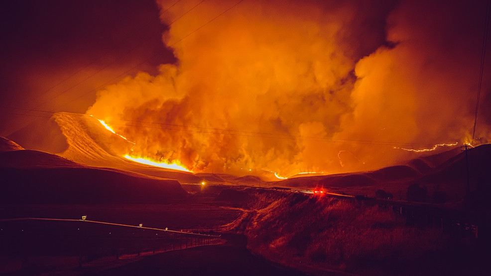 Evacuations Mineral Fire Burning More Than 14 000 Acres Kmph