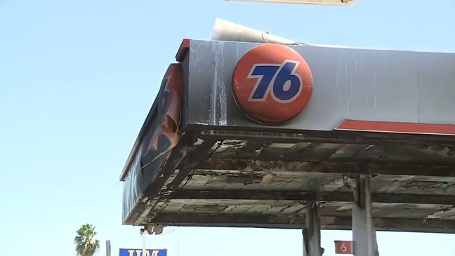 Man drives to Fresno gas station with his car on fire